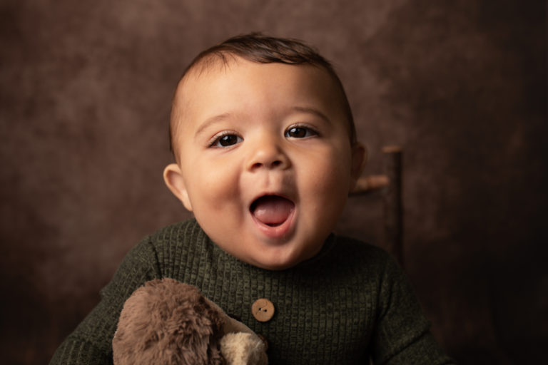 6 month old sitter photo shoot