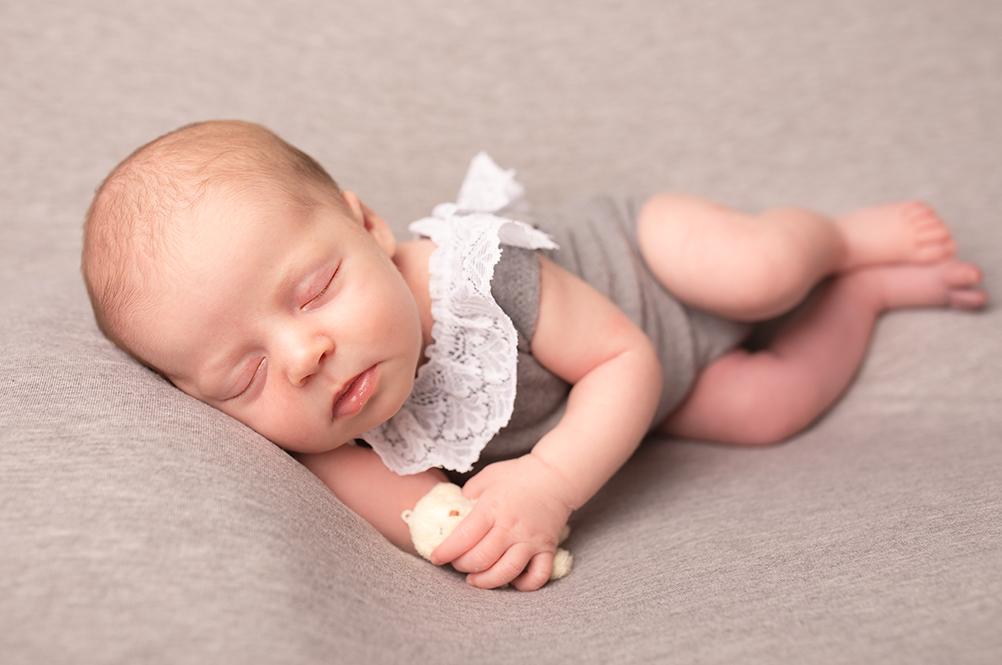 Newborn photo strood. Baby girl newborn photoshoot Medway